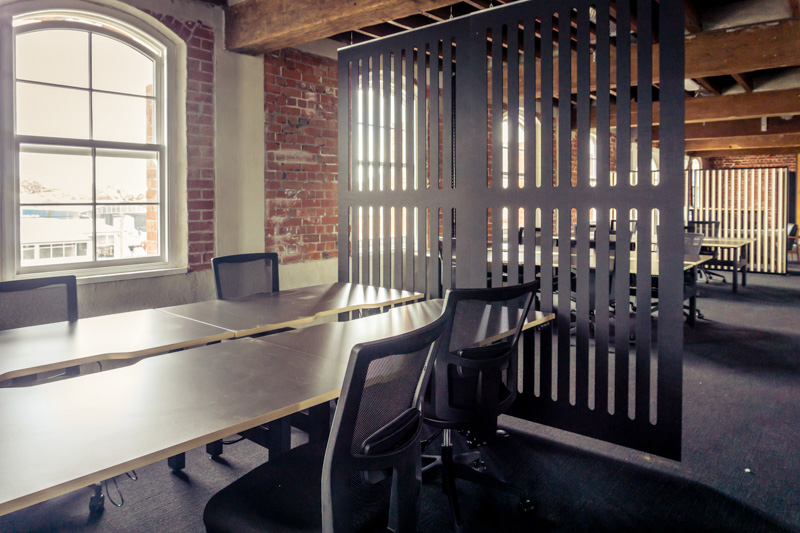 Genius Co-working -Focus (in Ebony) Screens